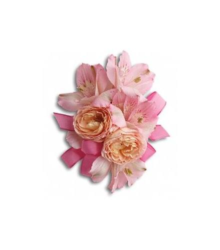 Photo of flowers: Beloved Blooms Corsage