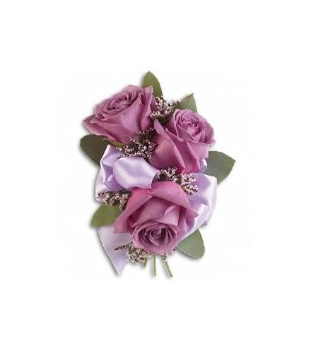 Photo of flowers: 3 Rose Corsage