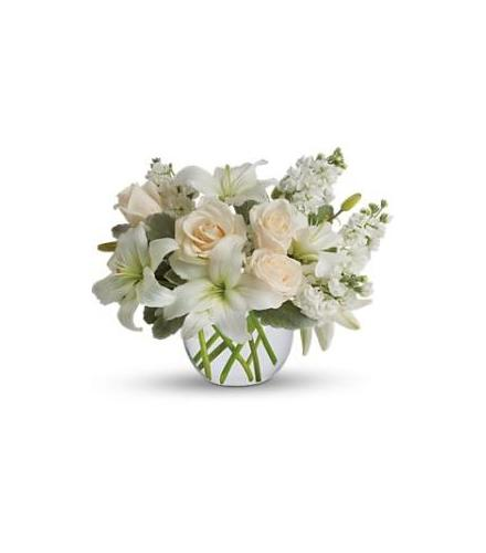 Photo of flowers: Isle of White Centerpiece T55-3