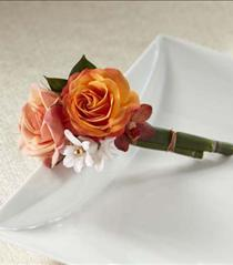 Photo of The FTD Sunset Dream Boutonniere - W22-4680