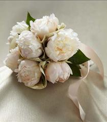 Photo of The FTD Simple Sophistication Bouquet - W24-4683