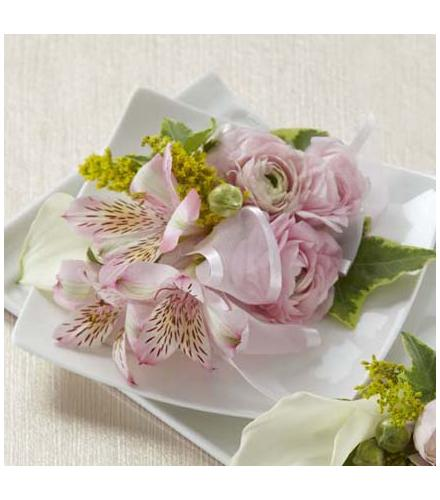 Photo of flowers: The FTD Enchantment Corsage
