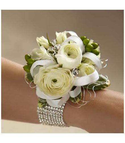 Photo of flowers: The FTD White Corsage